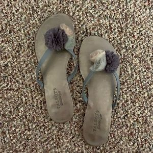 TALBOTS - Grey tulle flower flip flops